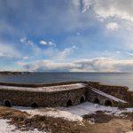 Panorama einer Festung auf dem Meer
