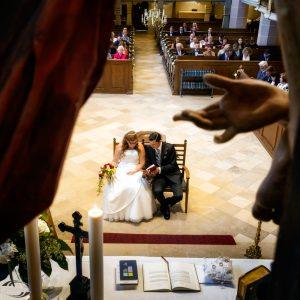 Bild eines Brautpaares von vorne oben