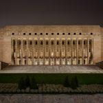 Blick auf ein Regierungsgebäude
