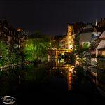 Bild der Karlsbrücke bei Nacht
