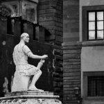 Bild einer Statue auf einem Sockel in schwarz-weiß