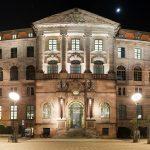 Gewerbemuseum bei Nacht