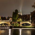 Bild der Maxbrücke mit den Türmen der Lorenzkirche im Hintergrund
