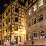 Bild zweier historischer Gebäude