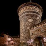 Block auf den Spittlertorturm bei Nacht