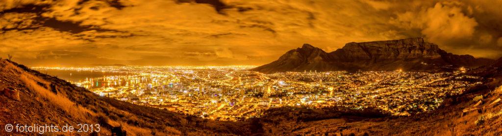 Panorama Kapstadt bei Nacht